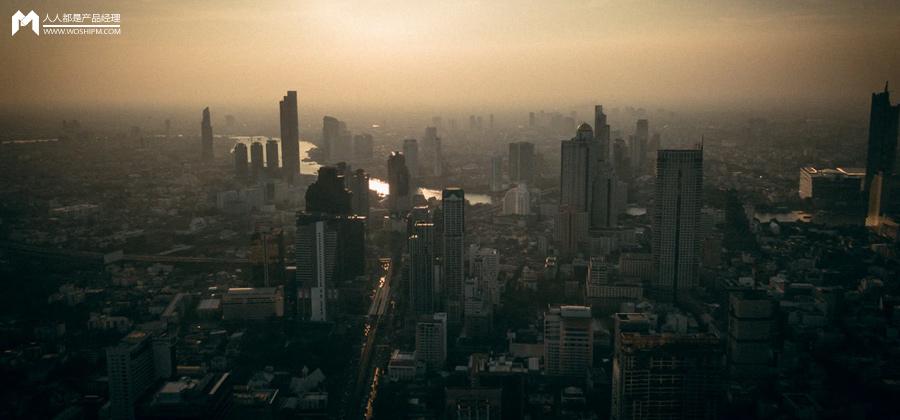 """中国新媒体从""""信息高速公路""""到""""未来媒体""""的认知跃迁"""